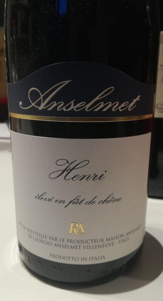 Degustazione del vino Maison Anselmet Henri Syrah 2015, rosso della Valle d'Aosta di uvaggio internazionale ma terroir montano e peculiare.